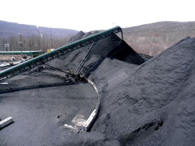Using a radial stacker, South Fork can stockpile three trains (27,000 tons) of coal.