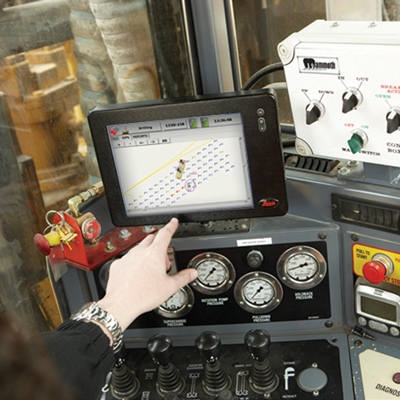Leica's J2drill provides feedback to the operator and mine staff in real time via an onboard cabin computer and also at the mine's command center.