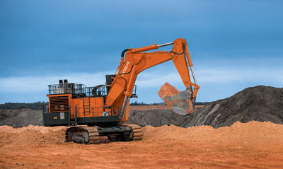 Sabine Puts Excavator to the Test Moving Overburden in Texas
